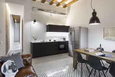Отреставрированная квартира в современном стиле в центре Барселоны
